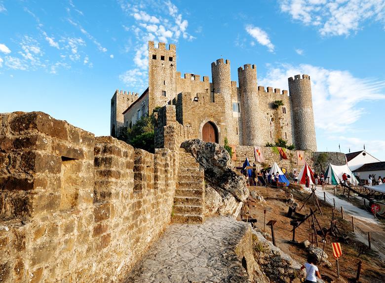 Visit Óbidos Castle and Óbidos |Happy to visit maps