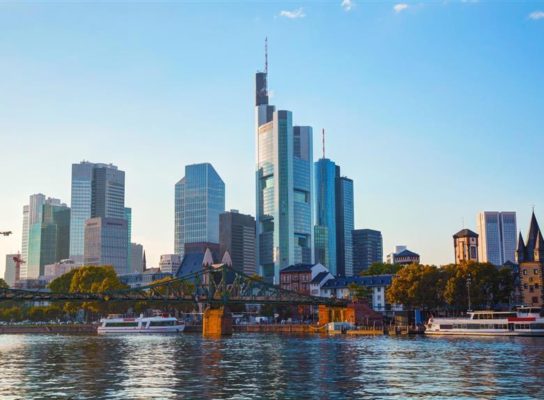 Frankfurt Panorama Boat Cruise At Main River Frankfurt - Frankfurt river