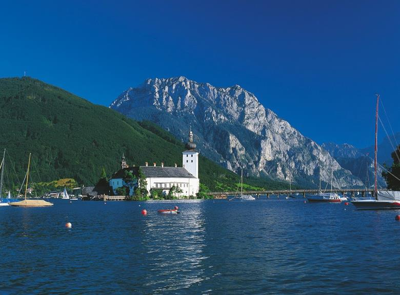 Alpine Panoramic Tour to Hallstatt & Entrance to Admont Abbey from Vienna