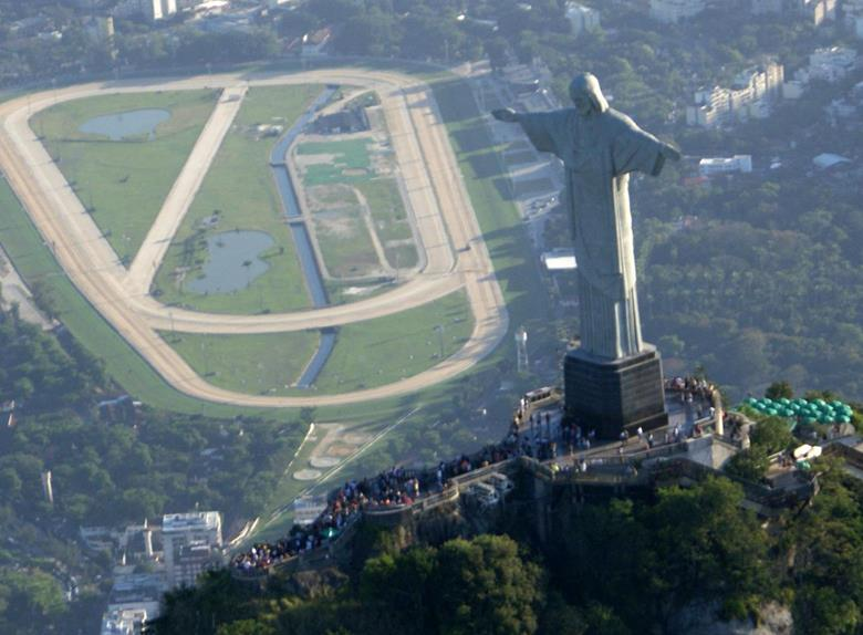 Full day Tour of Rio: Corcovado, Christ Statue, Sugar Loaf with Lunch and Plataforma Show with Dinner
