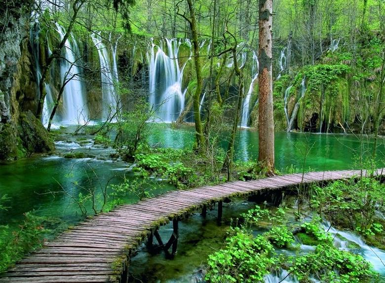 National Park Plitvice Lakes: Legend of the Black Queen tour from Vodice and from Šibenik