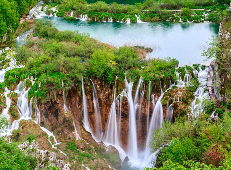 Discover the Beautiful National Park Plitvice Lakes from Split & Trogir