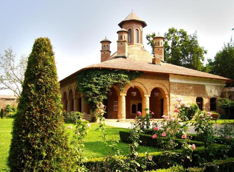Half Day Tour to Snagov Monastery & Mogosoaia Palace from Bucharest