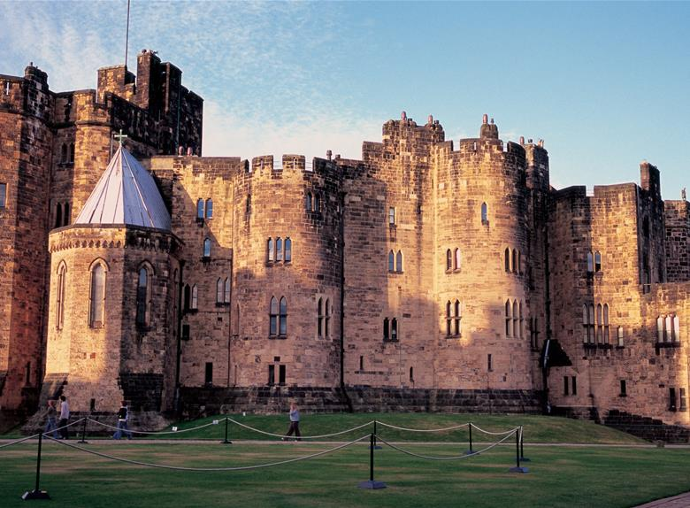 Holy Island, Alnwick Castle & the Kingdom of Northumbria Tour from Edinburgh