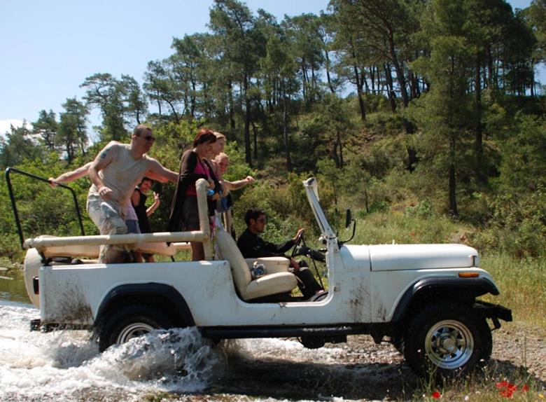 Jeep Safari iz resorta Albena