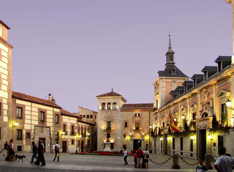 Las Rozas Village Shopping Express  Madrid City Tour Hopon Hop