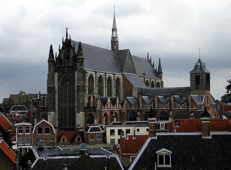 Leiden Highlights: Walking Tour + Canal Cruise