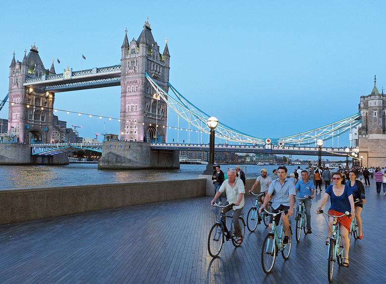 3-Hour Night Bike Tour in London