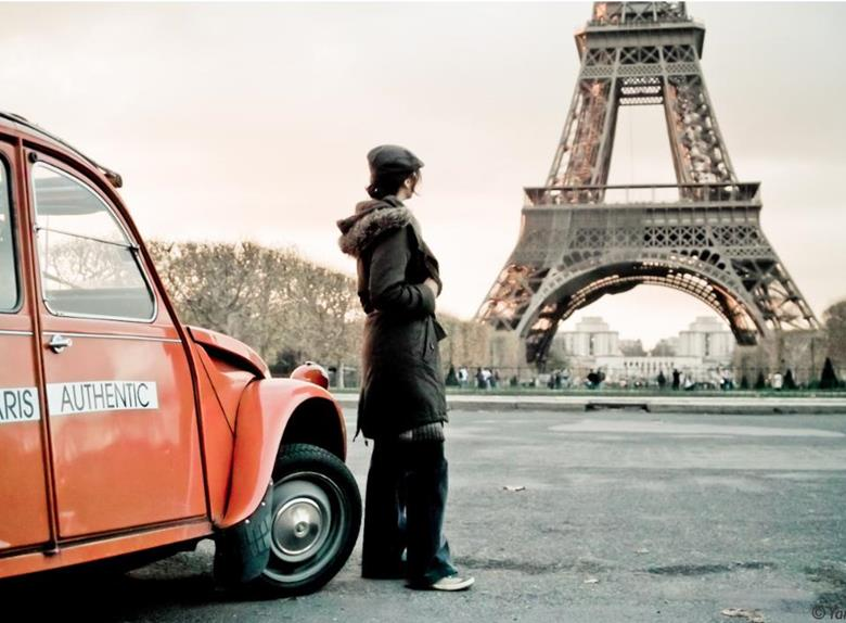 Magnificent Paris Day Tour by 2CV