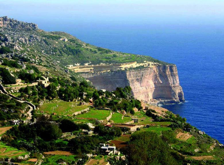 Garden Centre: Maltas Scenic Tour Visiting Palazzo Parisio Clapham