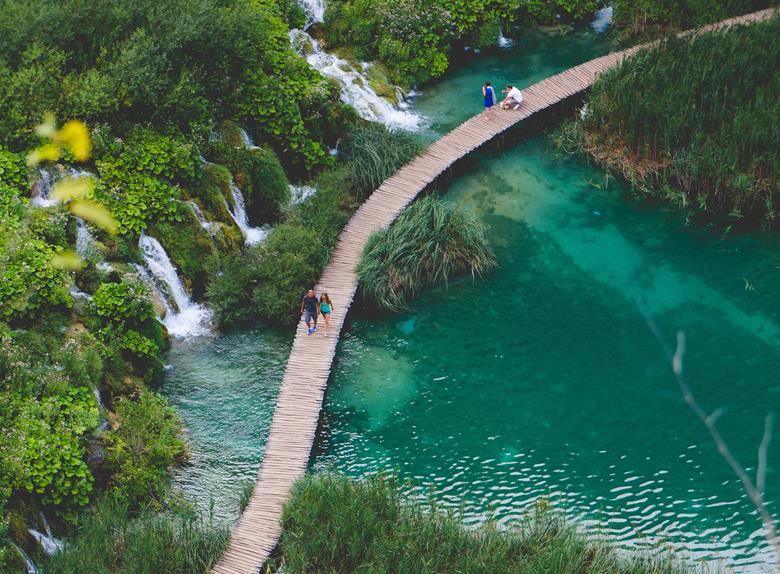 NP Plitvice Lakes group tour with guide from Zagreb