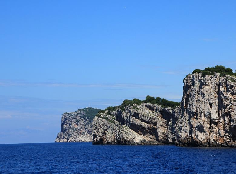 Enjoy the amazing cliffs of the Kornat Island