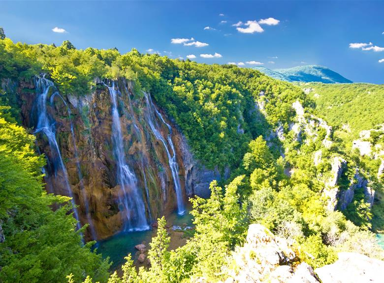 Explore the magical National Park Plitvice Lakes