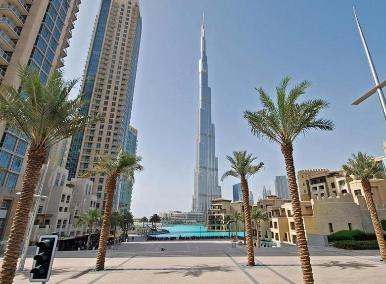 Dubai: Full Day Tour with Lunch at Fountains from Abu Dhabi