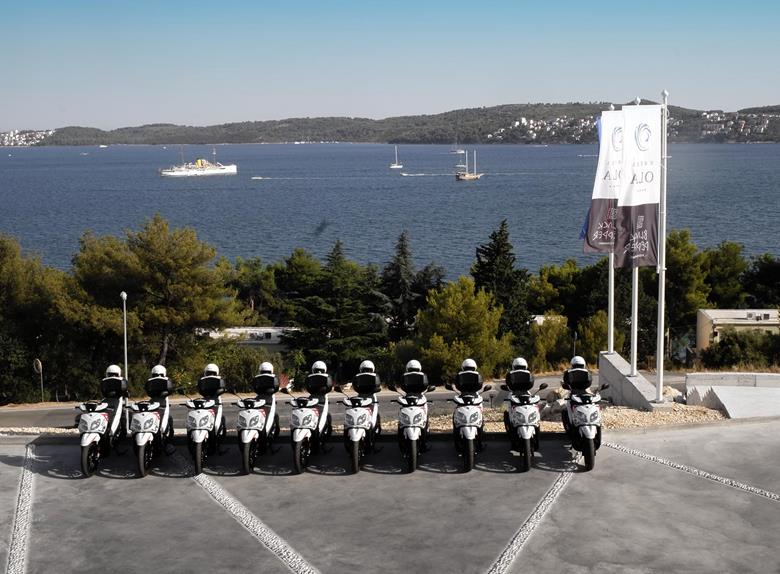 Dalmatian Day Tour from Trogir with Scooter
