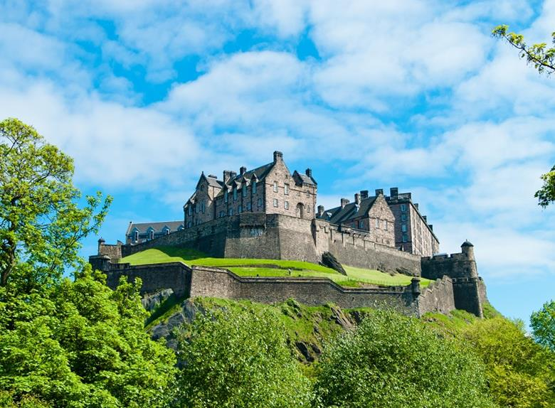 Tour to Edinburgh from London + Hop On / Hop Off Sightseeing Tour