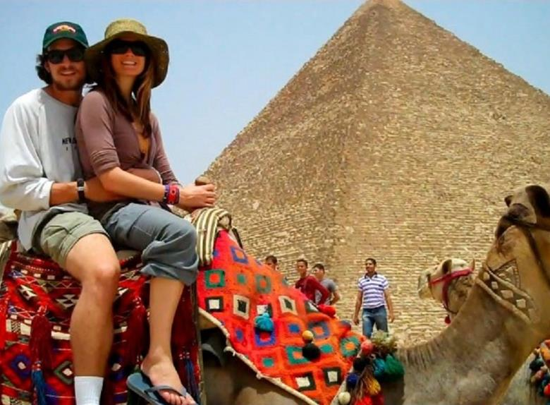 Tour to Giza Pyramids and Sakkara from Port Said
