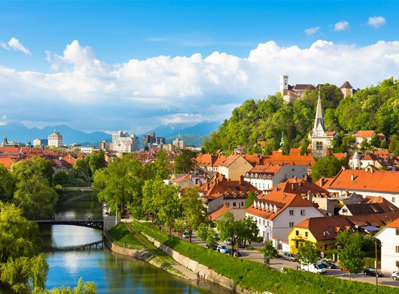 Private Tour to Lake Bled and Cream Cake Tasting from Ljubljana