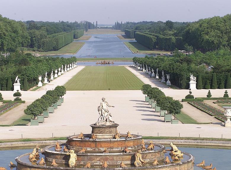 Versailles Half Day With Guide Plus Paris Afternoon City Tour With