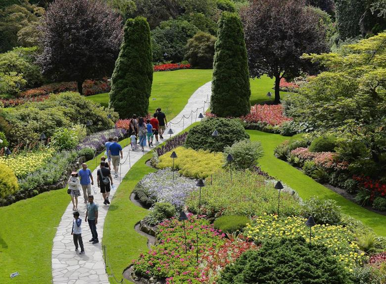 From Vancouver: Victoria and Butchart Gardens Tour