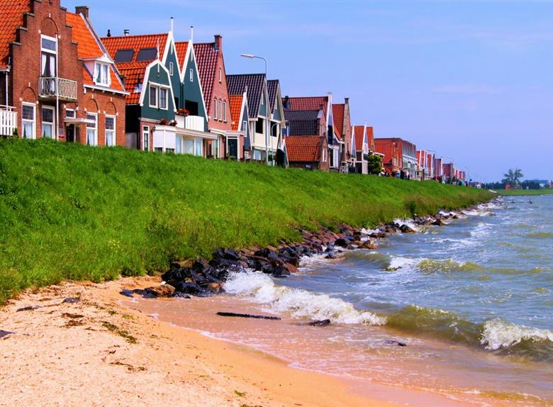 Volendam, Edam and Windmills Tour from Amsterdam