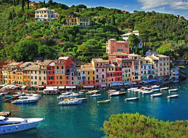 Walking Tour of Genoa and Visit Portofino from Genoa