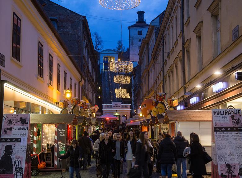 Walking Tour Zagreb Upper Town Funiculur Ride Happytovisit Com
