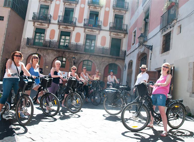 Visit the city on Bike Tours