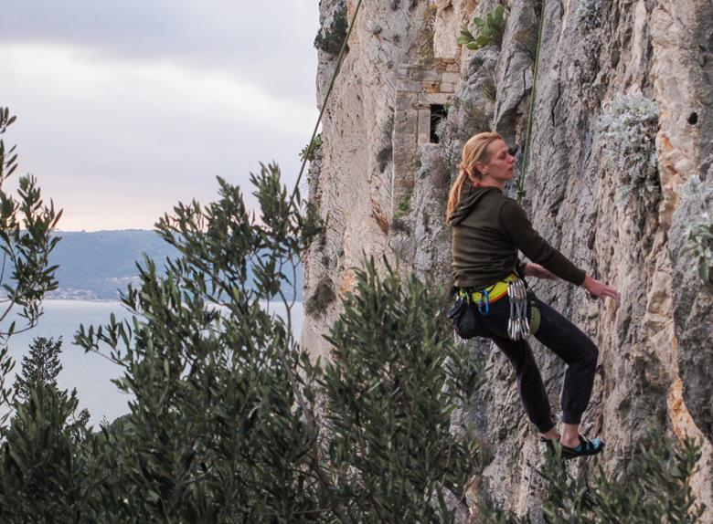 Rock climbing in Omis