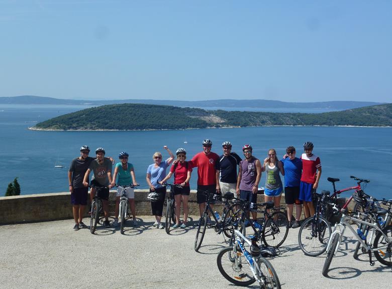 Bike Tour Amazing Split In The Afternoon Split