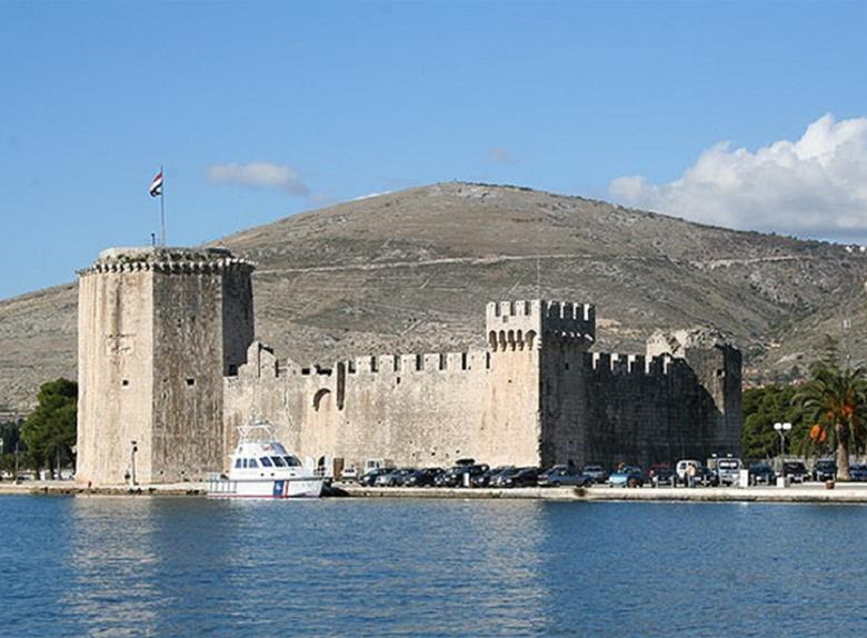 Take a Guided Walking tour of Trogir